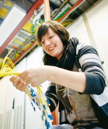 Julia Isaak, 22, ist in der Ausbildung zur IT-Systemelektronikerin